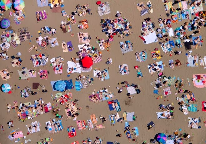 ocean beach horizontal aerial maison gray 660x462