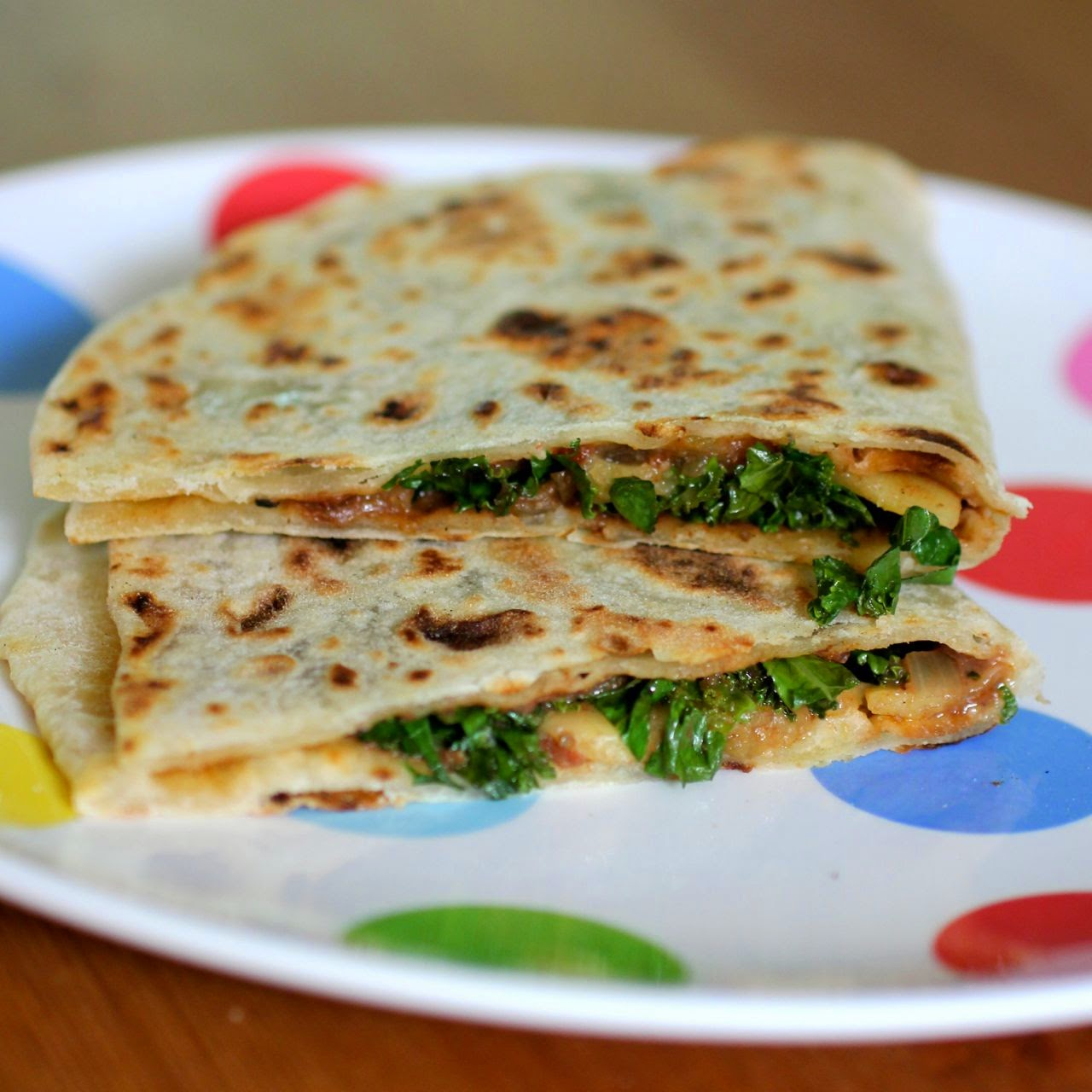 Green Gourmet Giraffe: Cheesey Kale Quesadillas with Mole Sauce and ...