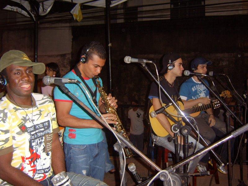 GRUPO KIZUEIRA NO ARRÁIA DA RADIO 91,9 FM NO ANDARAI