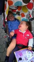 Mis nietos Oscar y Nuria