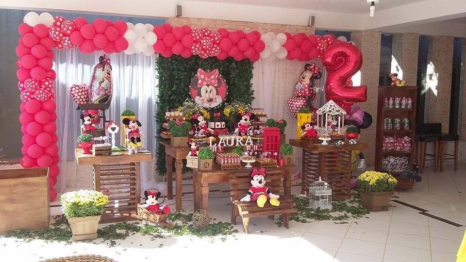 de Festas Infantis MINNIE VERMELHA RÚSTICA COM MURO INGLÊS