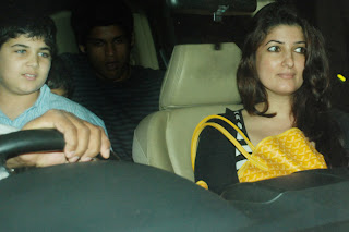 Pregnant Twinkle Khanna and Akshay Kumar watches 'MIB 3' : spotted outside the theater