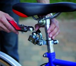 Attacco rimorchio bicicletta al reggisella