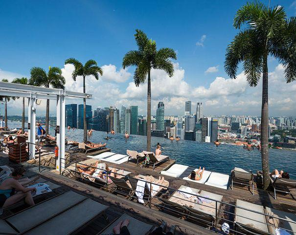 Buzz Pictures Hotel Marina Bay Sands Swimming Pool In The Sky Singapore