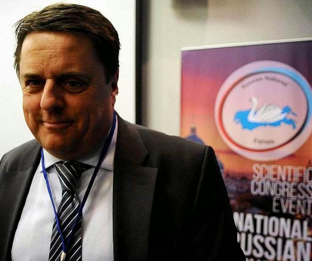 Nick Griffin, ex-líder do British National Party no International Russian Conservative Forum. Mais espuma que substância, mas o velho pacto Ribbentrop-Molotov parece perdurar