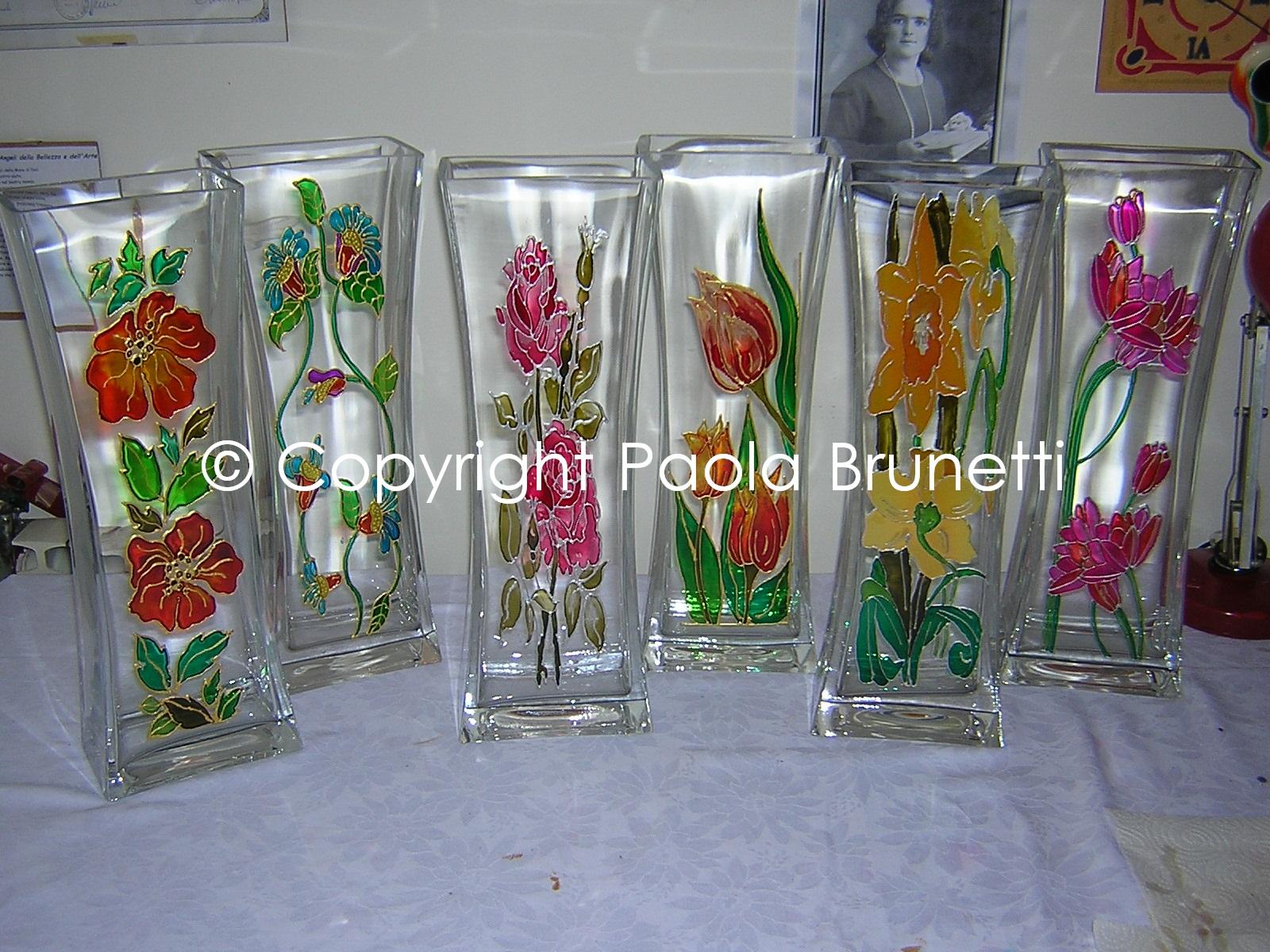 Reali fantasie colorate sei vasi su vetro dipinti su for Disegni su vetro