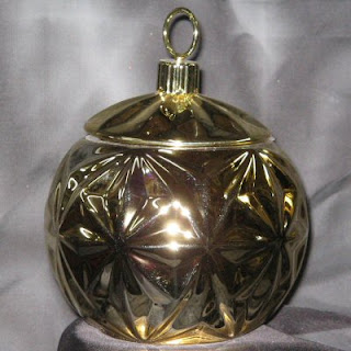 Gold Ceramic Ornament Jar for Holiday Centerpieces