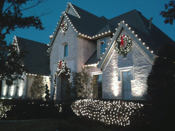 C style design outdoor christmas lighting for Exterior xmas lighting ideas