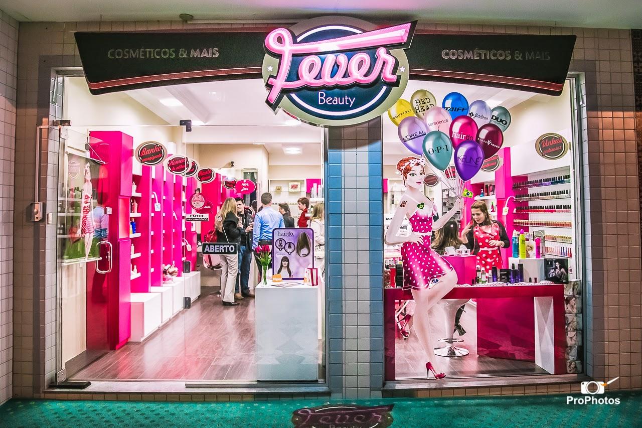 festa aniversário 1 ano loja Fever Beauty em Curitiba