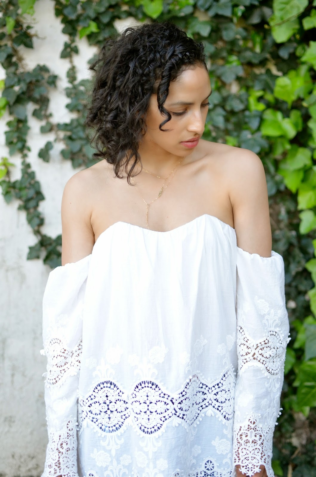 stone cold fox marrakech dress, stone cold fox, revolve clothing, short curly hair,SF street style