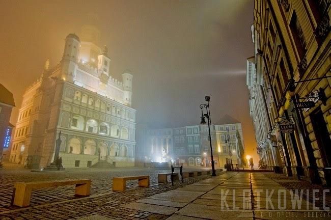 Poznań: Stary Rynek z ratuszem i kamieniczkami