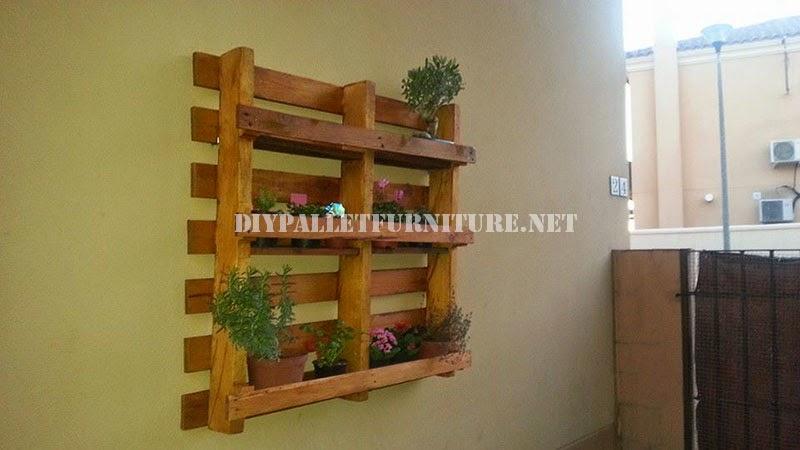 Estanter a exterior fabricada con un - Estanterias para plantas ...