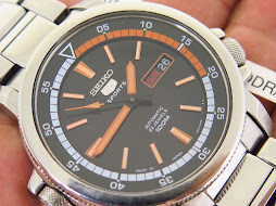 SEIKO 5 SPORTS BLACK DIAL - COLOUR INNER RING - AUTOMATIC