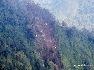 Pesawat Sukhoi Superjet 100 Ditemukan Hancur [ www.BlogApaAja.com ]