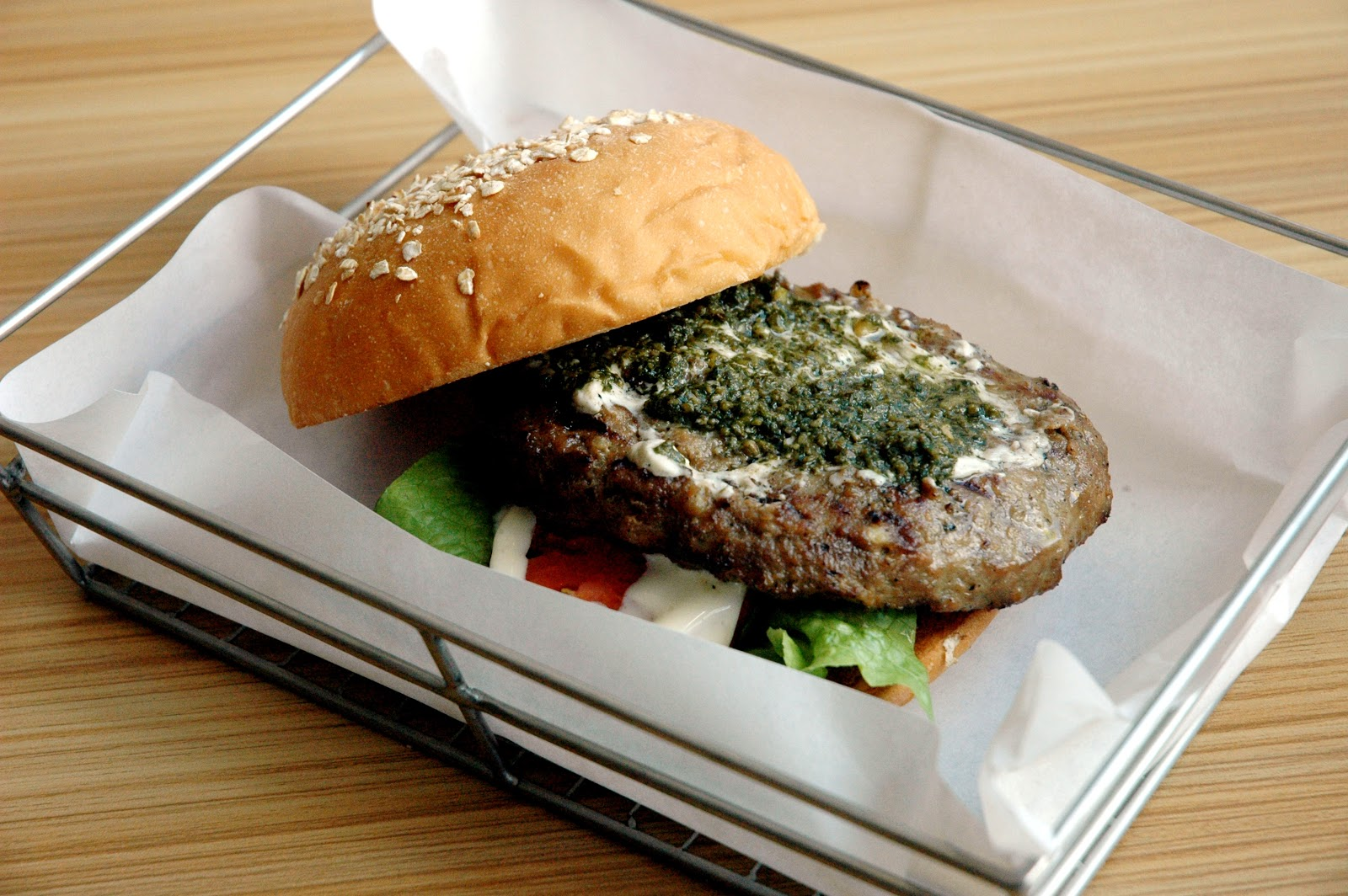 DUDE FOR FOOD: The Dude's Top Twelve List: Burger Round Up Part Two