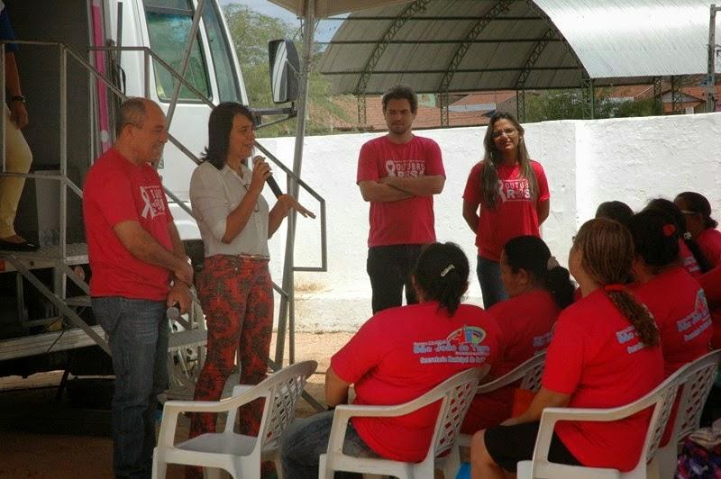 Mulheres de São João do Tigre realizam exames preventivos de câncer de mama