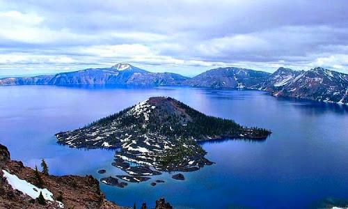 Danau Paling Unik dan Aneh di Dunia