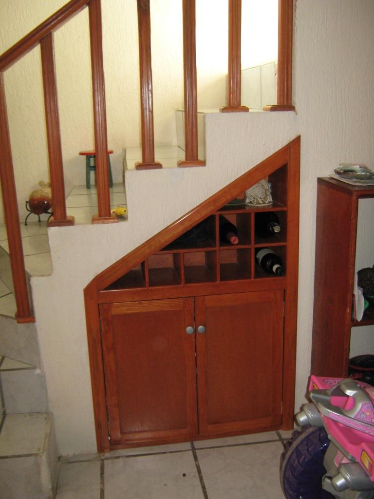 Casa en venta en guadalajara for Closet de madera monterrey