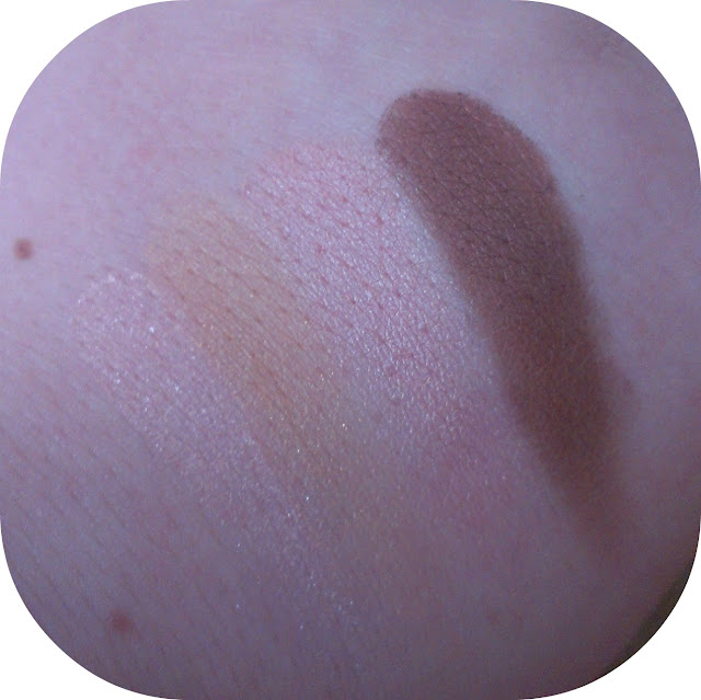 Revlon Color Stay Eyeshadow Quad in Decadent Swatches