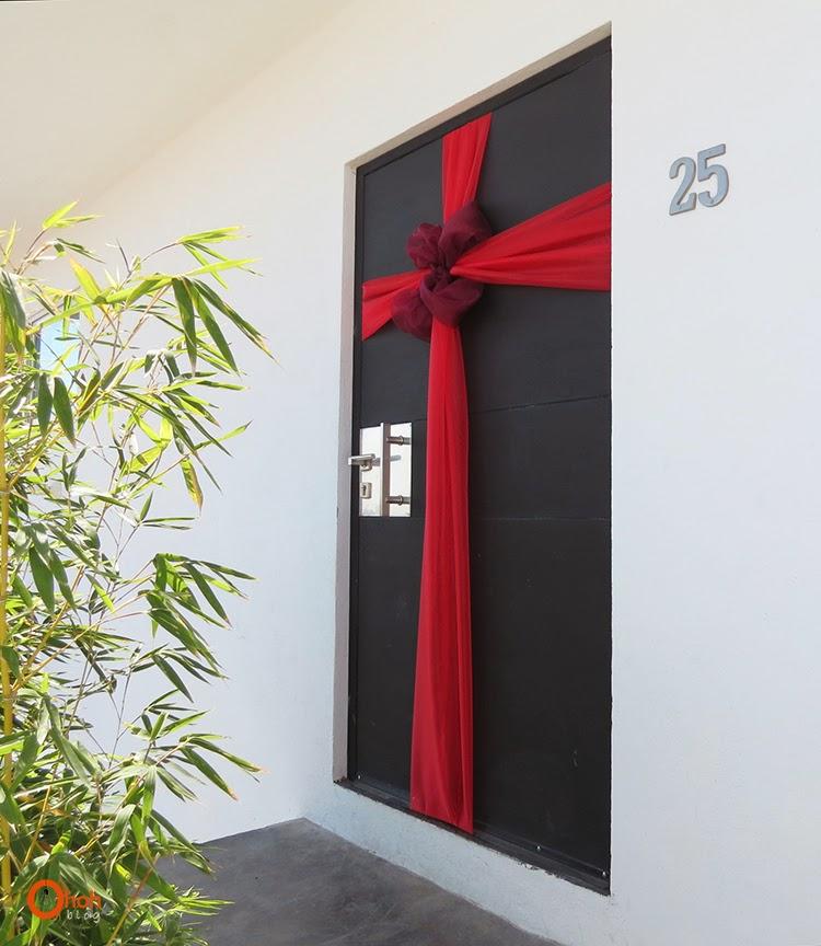 Diy christmas door ohoh blog for Idee regalo doors
