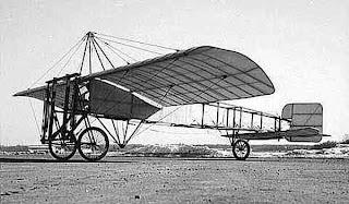 اول طيار لويس بليريو طائرة