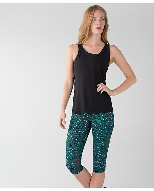 lululemon-mountain-peaks drop-it-like-it's-hot-crop
