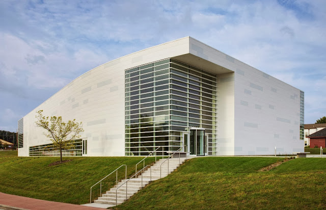 06-Museum-of-Wisconsin-Art-by-HGA-Architects-and-Engineers