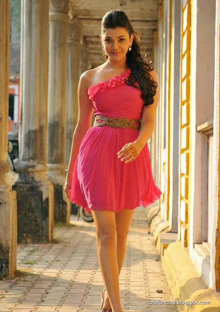 Sexy Indian Actress - Kajal Agarwal in Pink