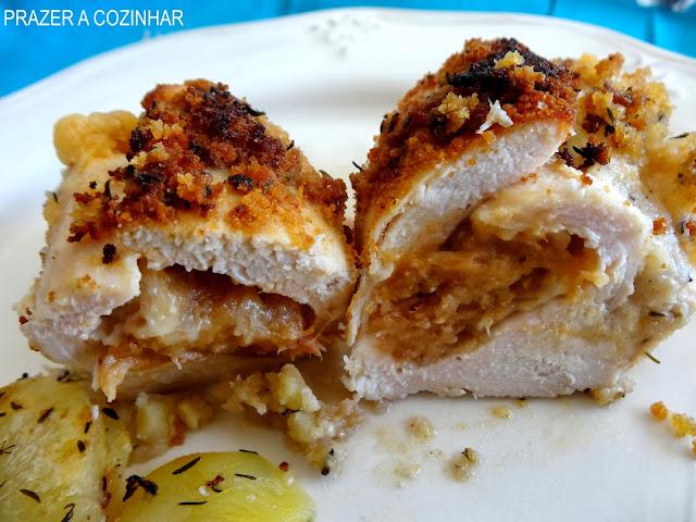 prazer a cozinhar - peitos de frango recheados com alheira