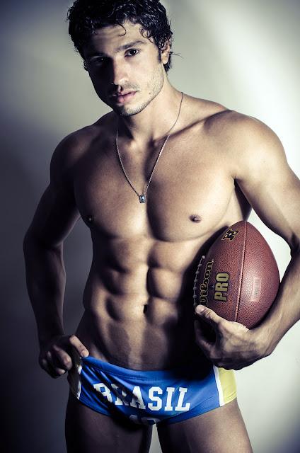 Sexy Brazilian hunk Maikel Castro