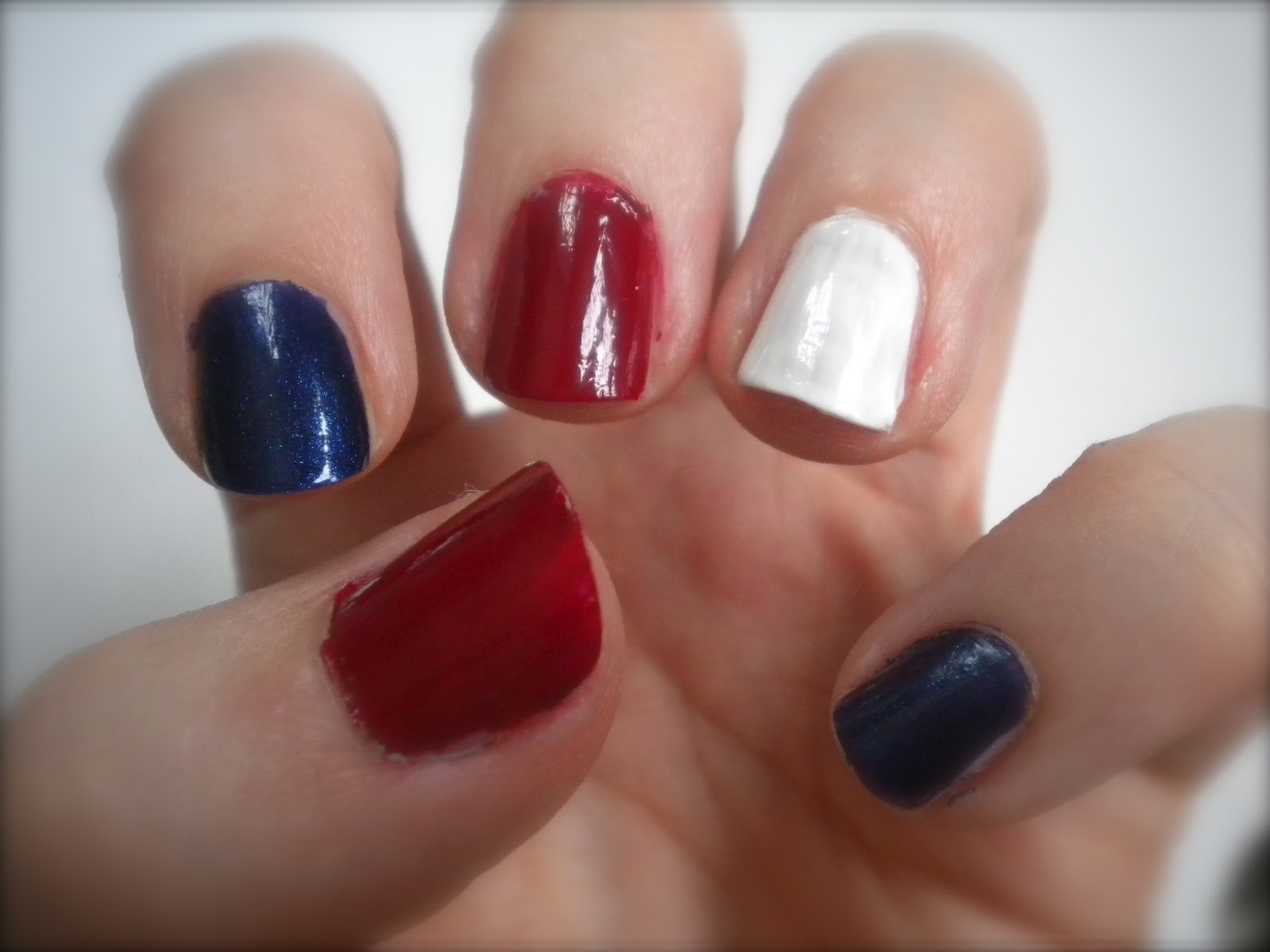 colour at your fingertips: jubilee nails - simple red, white & blue