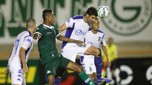 Em jogo ruim, Goiás vence Santo André e avança na Copa do Brasil