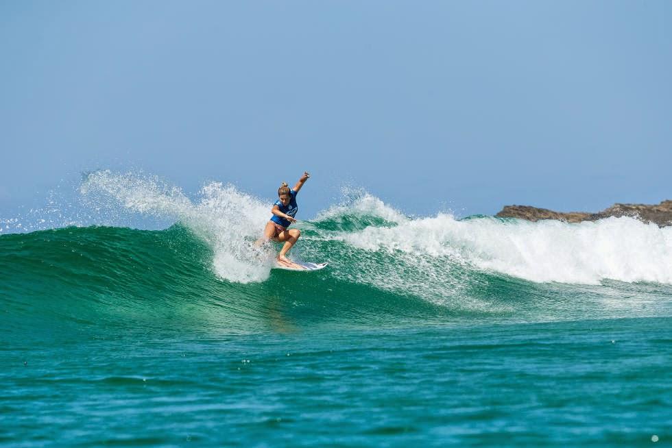 36 Roxy Pro Gold Coast 2015 Coco Ho Foto WSL Kelly Cestari