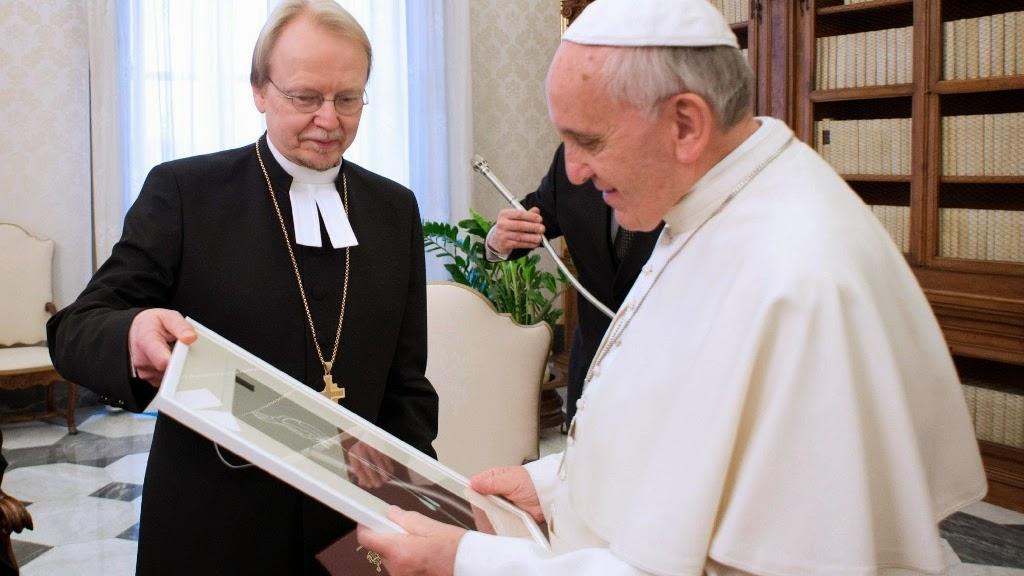 Kết quả hình ảnh cho Đức Thánh Cha Phanxicô với tin lành luther