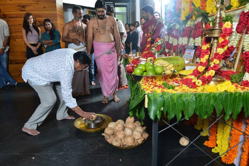 Loafer Muhurtham HD images | Varun Tej | Puri Jagannadh