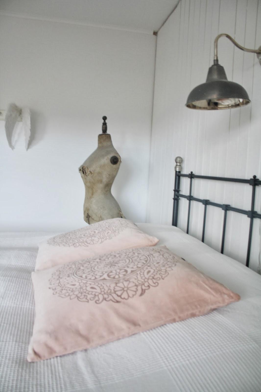 VardagskÄrlek: toner av rosa & nystädat sovrum