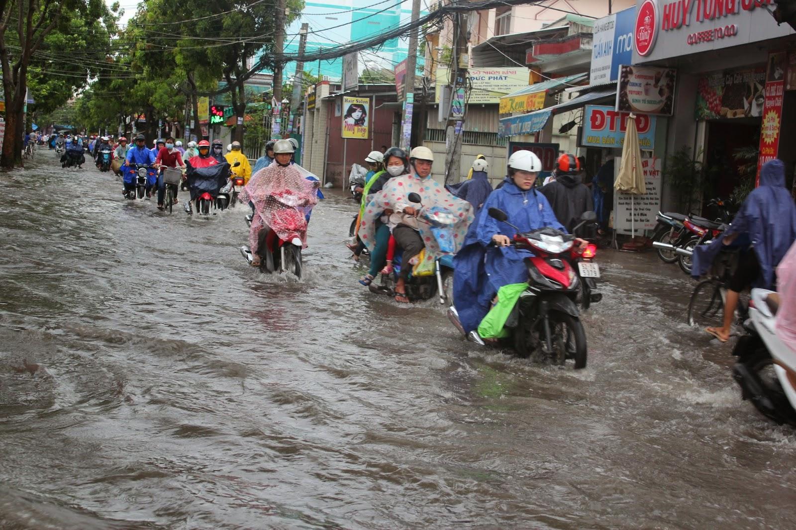 Lưu ý với xe máy mùa mưa