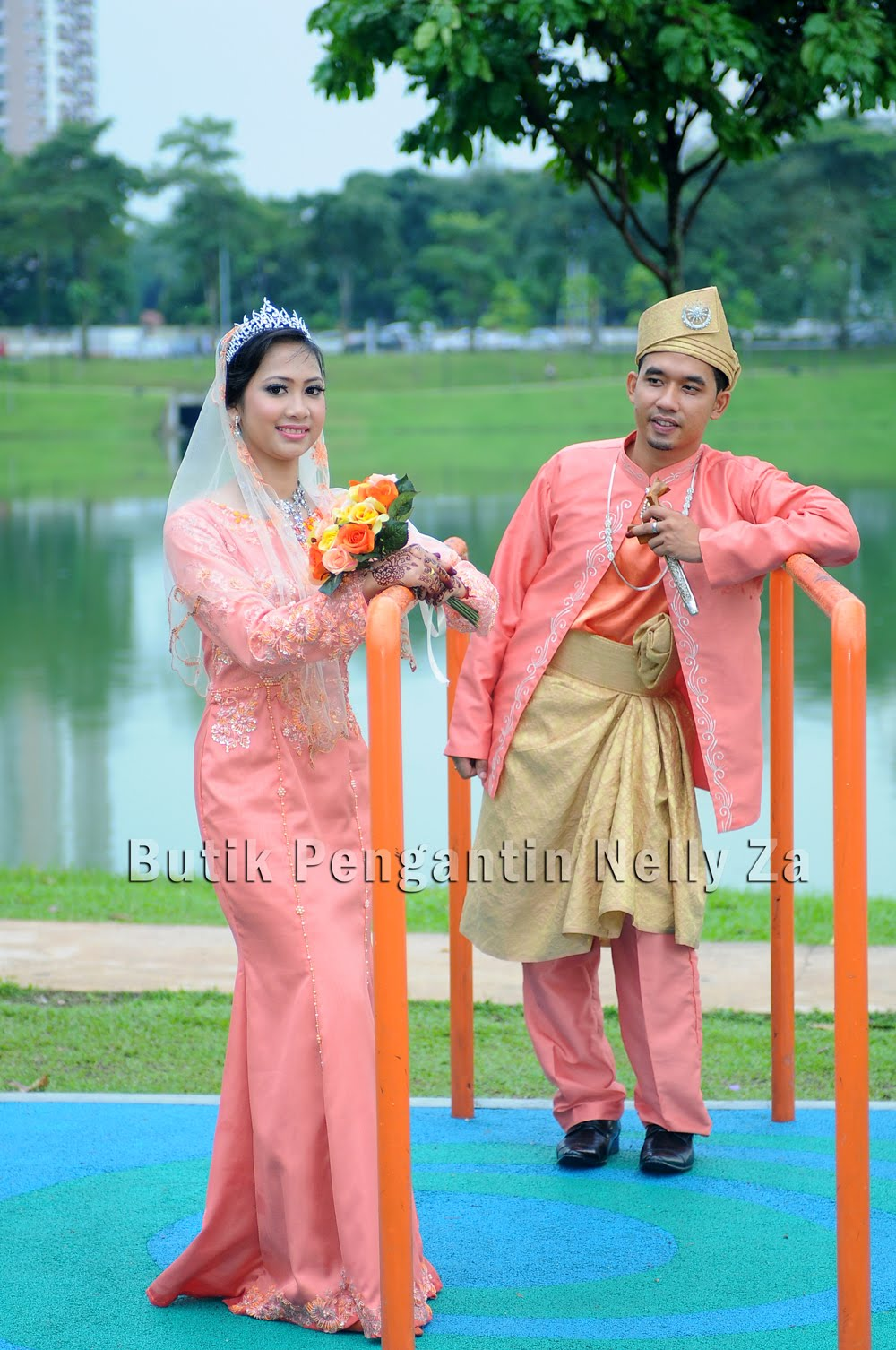 Posted by Butik Pengantin Nelly Za at 6:19 AM | Labels: Makeup |