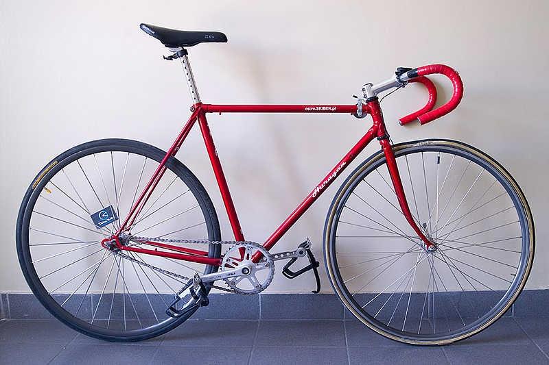 Sepeda Fixie Balap Minimalis Merah:Modifikasi Sepeda Fixie