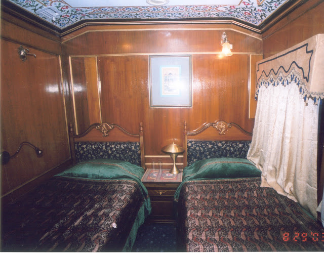 Populer Luxury Train in Wallpapers