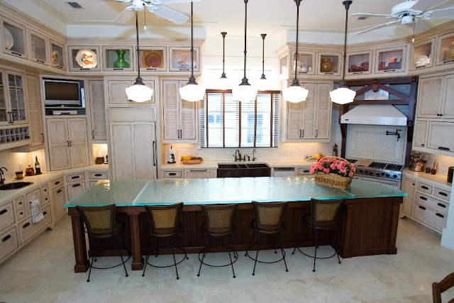 kitchen-designs-with-amazing-glass-tops-from-ThinkGlass-11