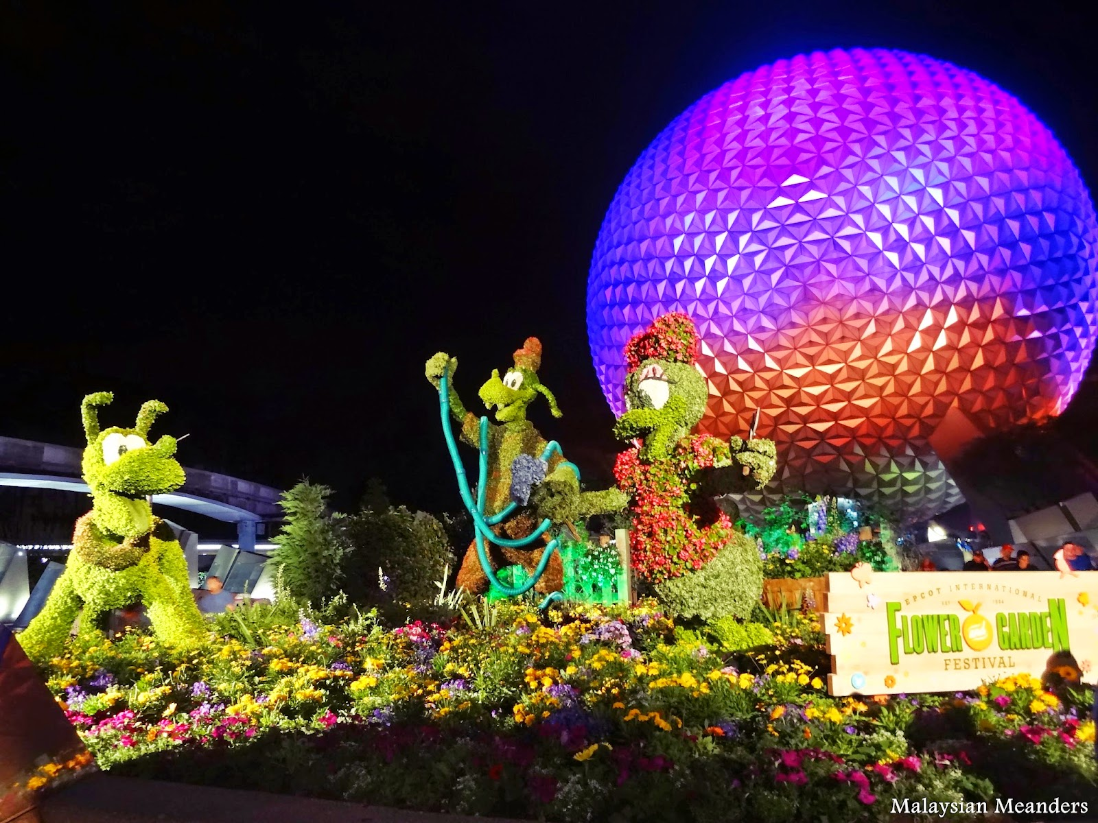 Goofy about Spring, Pluto, Daisy Duck, topiary, Spaceship Earth, DisneyWorld