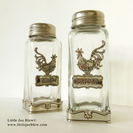 rooster salt and pepper shakers sold on www.littlejoeblow.com photo 1