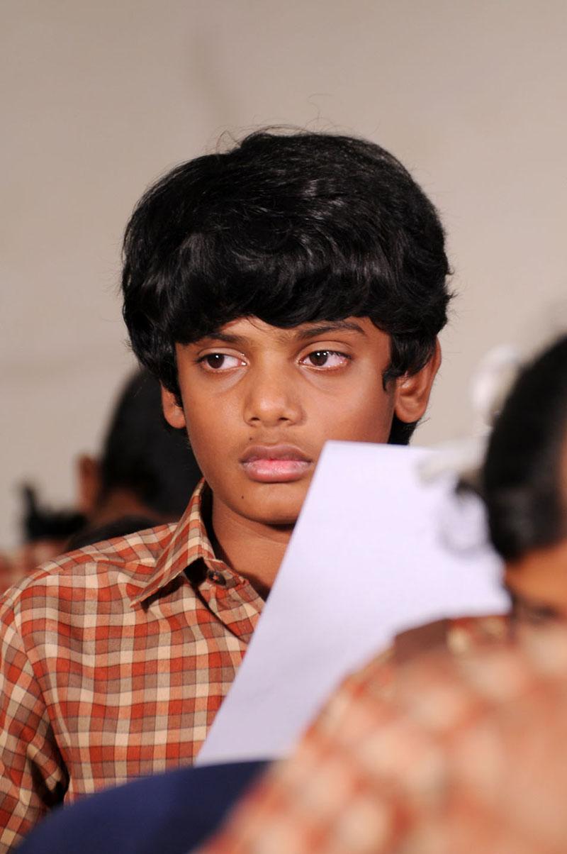 dhoni tamil movie - photo #12
