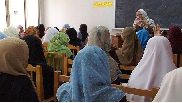 Mahasiswi Al Azhar Berbeda Dengan Mahasiswi Lain Anda Ingin Tahu Bagaimana Kehidupan Belajar Mahasiswi Di Universitas Al Azhar Mesir Mari Kita Mengintip