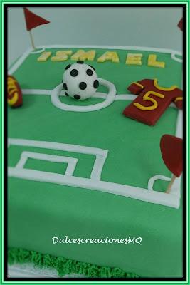 Tarta Fútbol Pastel Campo Verde Pelota Balón Botines Cumpleaños Aniversario Niño Adolescente Fondant Buttercream Fresa Bizcocho Esponjoso Victoria Sponge Cake Azúcar Glas