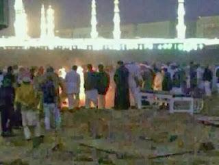 Foto cahaya di pemakaman Baqi' yang tersebar di media sosial (Islammemo)