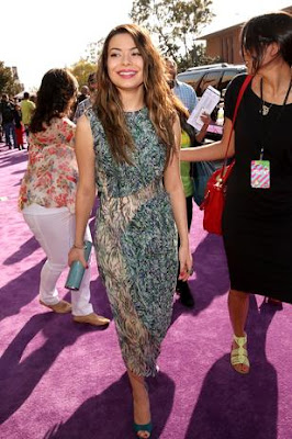Miranda Cosgrove Gracias KCA 2013 ShurKonrad
