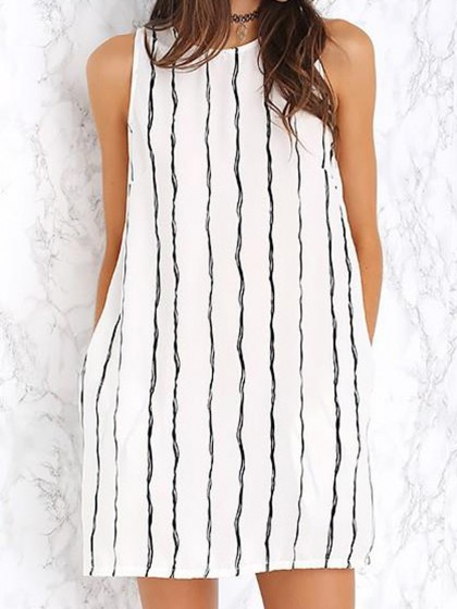 http://www.choies.com/product/white-stripe-keyhole-back-pocket-a-line-dress_p44076?cid=3508jesspai