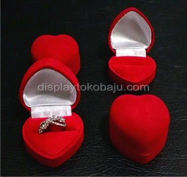 cincin display